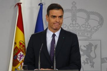 El presidente del Gobierno en funciones, Pedro Sánchez, este miércoles, tras su designación por el Rey como candidato a la investidura.