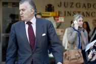 El ex tesorero del PP Luis Bárcenas sale de declarar de los juzgados, en 2015.