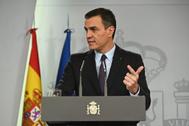 El presidente del Gobierno en funciones, Pedro Sánchez, en la rueda de prensa ofrecida tras el encuentro con el Rey, este miércoles.
