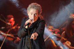 Miguel Ríos durante una de sus últimas actuaciones, en el festival Starlite, en 2018.