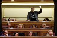 El diputado de ERC Jordi Salvador, durante los acatamientos a la Constitución, el pasado 3 de diciembre, en el Congreso.