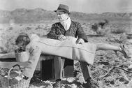 Escena de 'The bride came' , con James Cagney y Bette Davis en semejante posturita .