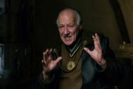 El director Werner Herzog caracterizado para su papel en 'The Mandalorian', un 'spin-off' del universo de Star Wars.