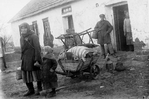 Un grupo de campesinos de Ucrania, a principios de los años 30.