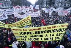 Nadie celebra las 35 horas de jornada laboral en Francia 20 años después