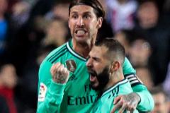 El Real Madrid logra en Mestalla un empate desesperado