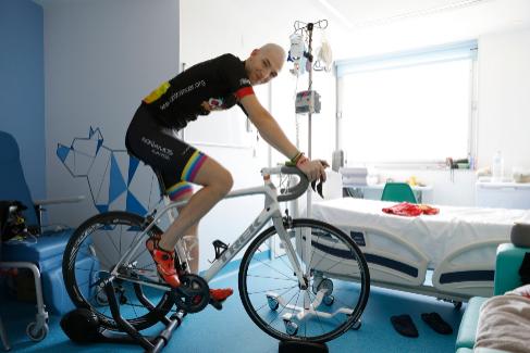 <HIT>Sergio</HIT> Gonzalez <HIT>Valero.</HIT> 10-12-2019. Comunidad de Madrid. Juan Francisco Fernandez. Enfermo de cancer que puede utilizar la bicicleta en la habitacion del hospital. <HIT>Mundo.</HIT> Deportes. Hospital la <HIT>Paz</HIT>