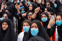 Mujeres iraquíes participan en una manifestación en la ciudad de Basra.