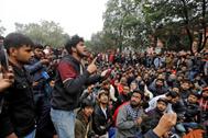 Protestas en una universidad en Nueva Delhi.