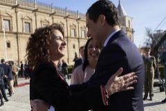 La ministra de Hacienda, María Jesús Montero, y el presidente de la Junta de Andalucía, Juanma Moreno, el pasado mes de febrero.