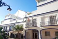 La fachada del Ayuntamiento de Estepona.