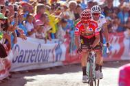 Primoz Roglic y Valverde, durante la pasada Vuelta.