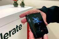 Así es el Motorola Razr, el nuevo móvil plegable que llega en enero por 1.599 euros