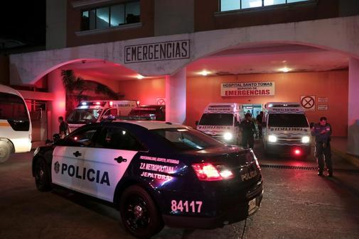 La Policía traslada a los presos heridos de 'La Joyita' al hospital...