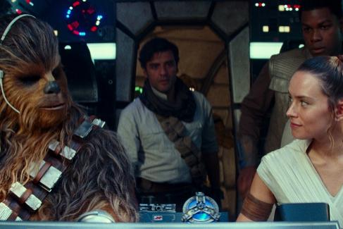 El ascenso de Skywalker: un guión disparatado arruina el fin de fiesta