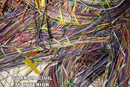 Parte de las toneladas de cable de cobre recuperadas de los robos.