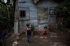 Niños en un barrio de Caracas.
