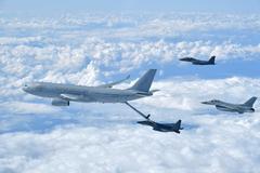 Aviones en pleno vuelo