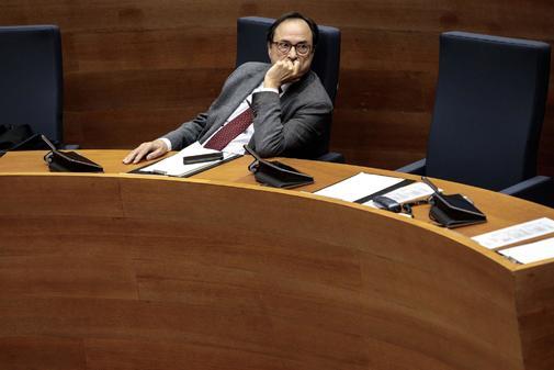 El conseller de Hacienda, Vicent Soler durante el debate de los Presupuestos de la Generalitat.