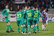 Los jugadores de la Real festejan uno de sus goles en Palencia.
