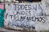 Una pintada con lenguaje inclusivo, en La Plata, Argentina.