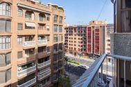 Vista de la calle Gayano Lluch desde el balcón de la casa que se entregará por sorteo.
