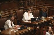 La alcaldesa Ada Colau presidiendo un pleno.