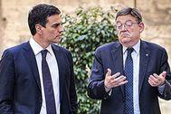 Sánchez y Puig, tras la firma de un compromiso político en apoyo de la mejora de la financiación autonómica en mayo de 2016 del que no se ha vuelto a saber nada.