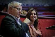 Joan Ribó y Sandra Gómez durante un pleno en el Ayuntamiento de Valencia.