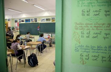 Alumnos en un examen de evaluación en un colegio de Barcelona.