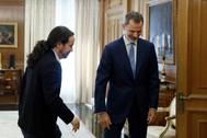 El secretario general de Podemos, Pablo Iglesias, en su última visita al Rey con motivo de la ronda de contactos para la investidura.