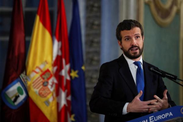 Pablo Casado apela a los barones del PSOE para que frenen el pacto de Pedro Sánchez con ERC