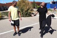 Carlos Aranda y Raúl Bravo, a su salida de prisión, en mayo.