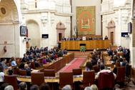 Marta Bosquet, ante el pleno del Parlamento andaluz.