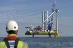Obras del parque eólico marino East Anglia One.