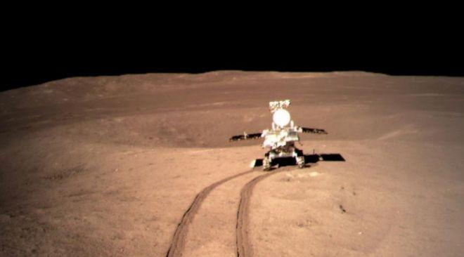 Yutu-2 recorriendo la superficie marciana
