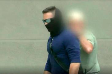 Un GEO, en el vídeo de Unitel del incidente en la embajada de México.