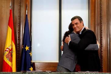 Iglesias arranca a Sánchez la regulación del alquiler y la derogación de facto de la reforma laboral
