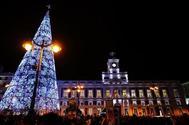 Iluminación en la Puerta del Sol.