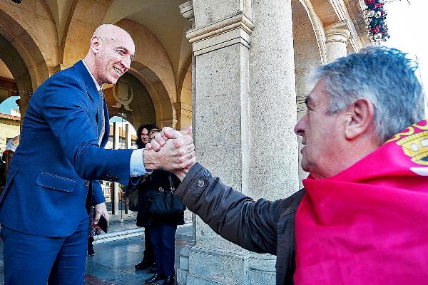 Representantes de la sociedad leonesa se solidarizan con el alcalde con un manifiesto en favor de la autonomía de León