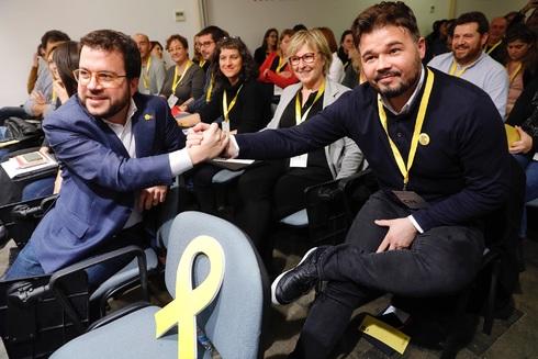 Sánchez acepta un referéndum en el que decidan sólo los catalanes