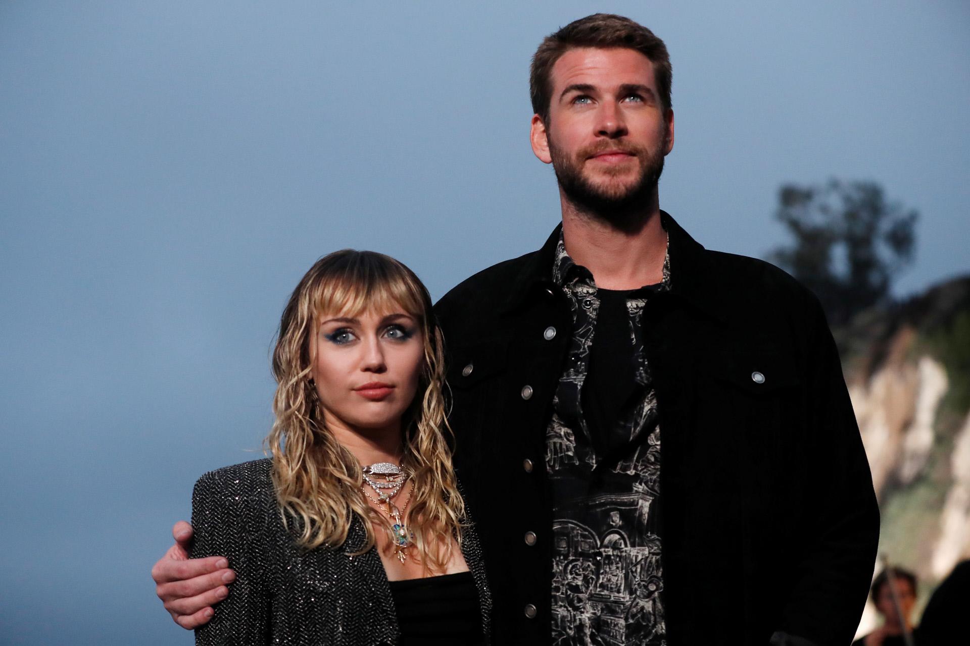 Miley Cyrus y Liam Hemsworth, en una foto de su época como marido y mujer.