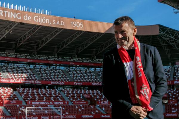 GRAF4903. <HIT>GIJÓN</HIT>.- El entrenador serbio, Miroslav Djukic,...