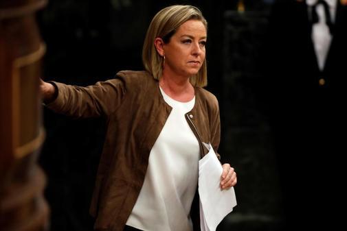 Ana Oramas abandona la tribuna tras su intervenci