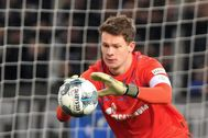 Bielefeld (Germany), 29/10/2019.- (FILE) <HIT>Schalke</HIT>'s goalkeeper Alexander Nuebel in action during the German DFB Cup second round soccer match between Arminia Bielefeld and FC <HIT>Schalke</HIT> 04 in Bielefeld, Germany, 29 October 2019 (reissued 04 January 2020). According to reports on 04 January 2020, Bayern Munich confirms signing a five-year contract with 23-year-old goalkeeper Alexander Nuebel. (Alemania) EPA/ CONDITIONS - ATTENTION: The DFB regulations prohibit any use of photographs as image sequences and/or quasi-video
