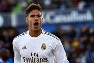 Varane celebra el primer gol del Madrid en Getafe.