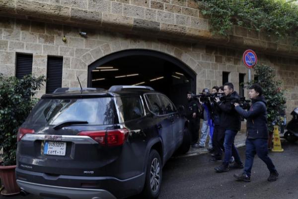 BEIRUT: La casa que el también ex presidente de Mitsubishi Motors posee en la capital de Líbano fue tomada por los periodistas ante las sospechas de que se pudiese encontrar allí.