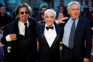 Martin Scorsese, junto a Al Pacino y Robert de Niro en la alfombra roja de los Globos de Oro.