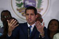 El presidente encargado de Venezuela, Juan Guaidó, en una conferencia de prensa en Caracas.