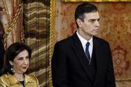 Margarita Robles y Pedro Sánchez, ayer durante la Pascua Militar en el Palacio Real.